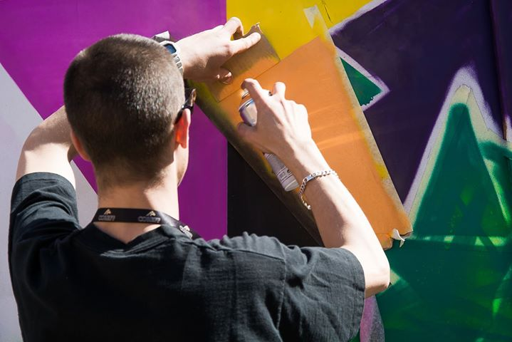 Performance graffiti LaRueSkate à Douarnenez